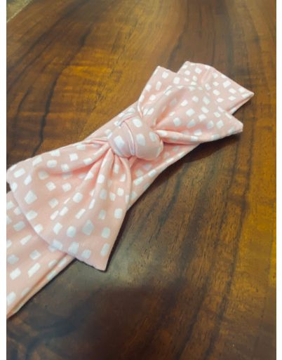 Pink dots knot