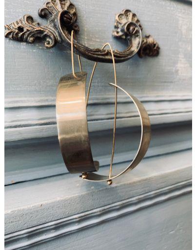 Κυρτό σκουλαρίκι
