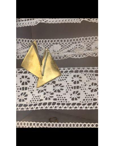 Σκουλαρίκι τρίγωνο
