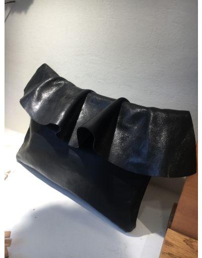 Μαύρο δερμάτινο τσαντάκι